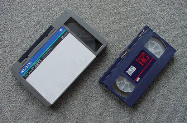 U規格ビデオカセット